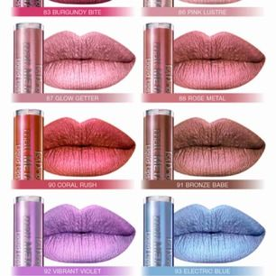 två metallic liquid lipsticks från isadora i färgerna vibrant violet och electrix blue<3 45kr för den lila, 15 för den blåa eller 55kr för båda! Den lila är full och den blåa är den ca hälften kvar i. tvättar applicatorerna innan de skickas<3