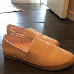 Gant skor, aldrig använda! Nyskick!