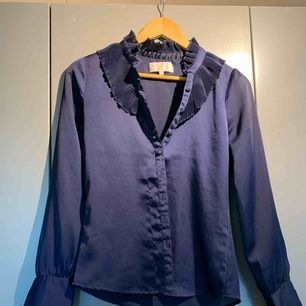 Siden blus, skjorta, blå S
