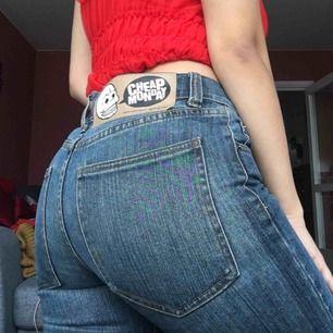 Snygga mid-waist jeans från Cheap Monday, använda endast en gång!