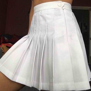 Äkta American Apparel vit tenniskjol, endast använd en gång. (Org pris 400kr)