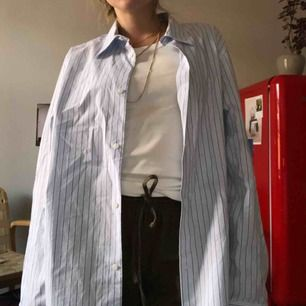 Perfekt oversized skjorta, herrstorlek men snygg på mig som är S.