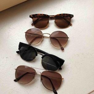 Olika solglasögon, priset på vardera ligger runt 30kr, alla är superfina skick och vissa är inte använda ☺️