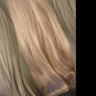 Äkta löshår från Rapunzel of sweden 3 stycken clips!!! , de är i färgen light blonde och är de högra på bilden Fraktas i postnord påse för 59:- eller som REK