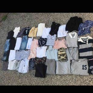 Kläder i blandade storlekar och olika priser! Allt kostar 700 tillsammans😀 Kan skickas och köparen står för portot.