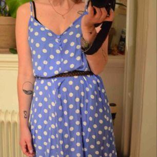 Jättesöt klänning från Mango! Frakt 35 kr eller möts upp i Gbg.
