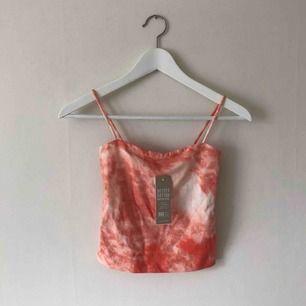 Helt nytt linne från Gina Tricot! Med tiedye liknande mönster