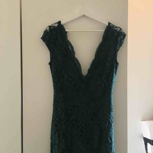 Min balklänning från bubbelroom. Andvänd en gång och är i fint skick!