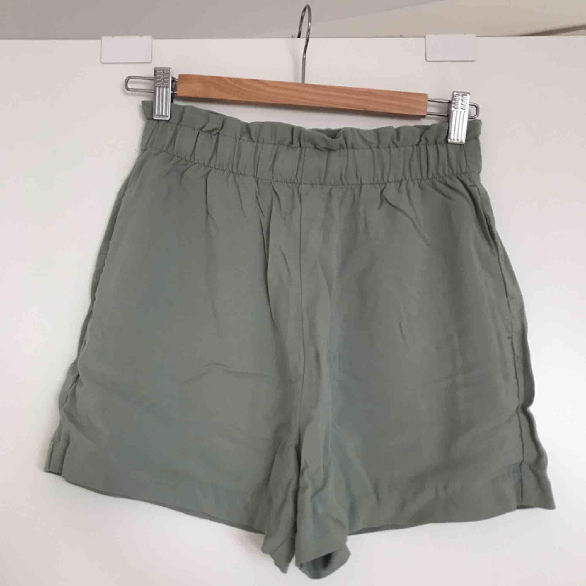 Oanvända shorts från H&M, jättesköna och vida i modellen! 🌼🌼. Shorts.