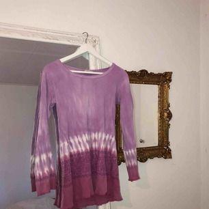 Topp/kort klänning - storlek S/XS - från indiska. Skulle vara snyggt att klippa den till en kortare topp😏)