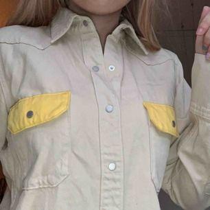 äkta calvin klein skjorta köpt här på plick. pm för mer info!