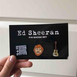 3 st pins som jag köpte innan Ed Sheerans konsert förra sommaren här i Sverige. Köpt för 150kr