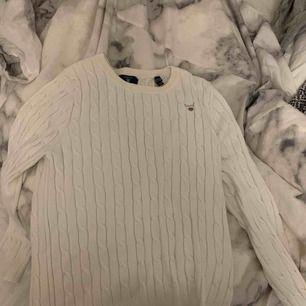 En skit fin gant tröja, endast använd typ 5 gånger då den är för liten