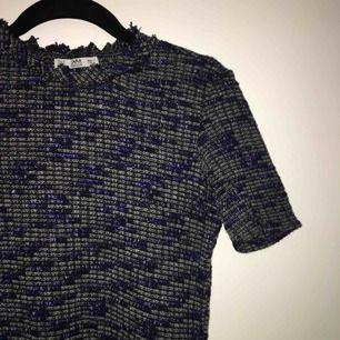 Super fin tröja från Zara i nyskick🦋🦋 storlek M men mer som en XS/S. Frakt tillkommer
