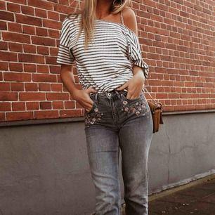 Jeans, frakt tillkommer :)