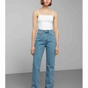 intressekoll för att se ifall nån skulle vilja köpa ett par weekday jeans i modellen Row sky blue använda 1 gång. Isånnafall får ni fler bilder privat. Fraktas eller så kan jag mötas upp i stockholms området 🦋