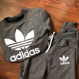 Så skönt set från Adidas med långärmad tröja & byxa. 150kr för båda + frakt (finns även att hämta i Östersund). Står strlM men skulle säga att dom är mer som S😊 Ej äkta.