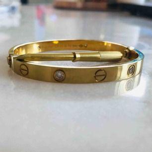 Cartier armband Love- replika. Bra skick! Storlek -S