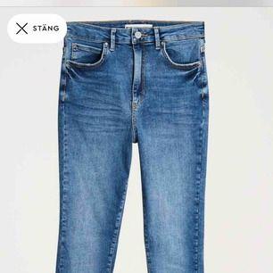 Oanvända Gina curve jeans från ginatricot. Köpa för 499 kr säljes för 150 kr + 42 kr frakt