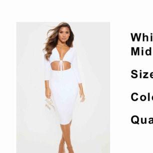 Så fin klänning, stretch och skön. Bra vit färg.