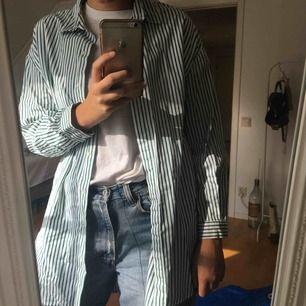 Oversize skjorta från Zara. Skriv för fler bilder!