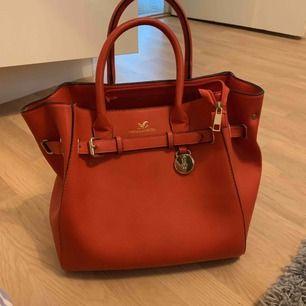 Väska från Lindex i korall färg (orange)