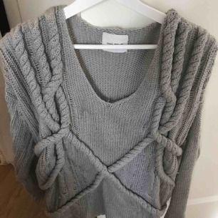 Mysig stickad tröja från Asos Färg grå Ord pris 699kr