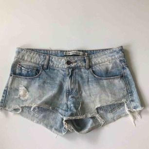 Ljusblåa jeansshorts från Zara 💘 frakt tillkommer