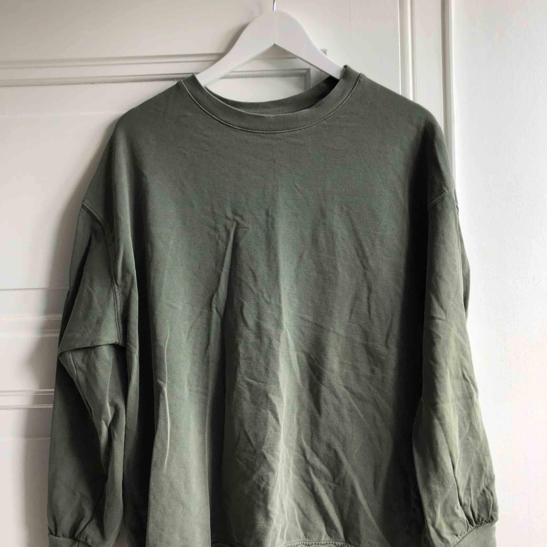 Stentvättad sweater från hm . Tröjor & Koftor.