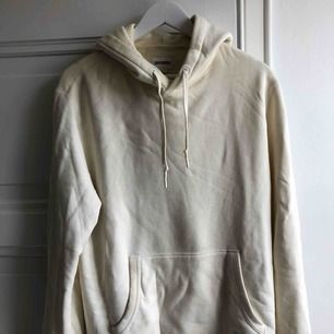 Off white vit hoodie från converse