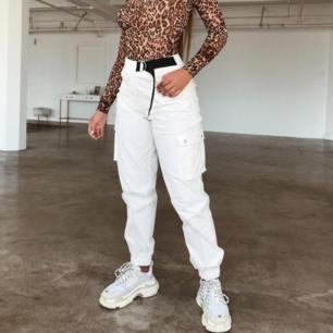Super snygga byxor från TigerMist.  Endast testade. Lapp finns kvar. Kände att det inte riktigt var