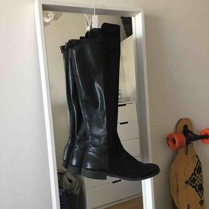 Overknee boots köpts för 899kr, använda en säsong