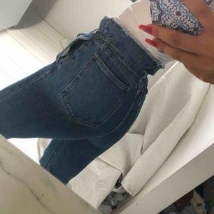 Paperbag jeans från isawitfirst. Bra skick sparsamt använda.