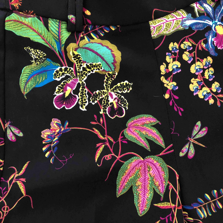 Kostymbyxor från hm helt oanvända köptes för 399kr  Ankellånga . Jeans & Byxor.