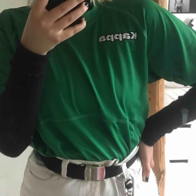 skitcool grön kappa-T-shirt, aldrig använd 💞 köpare står för frakt!. T-shirts.