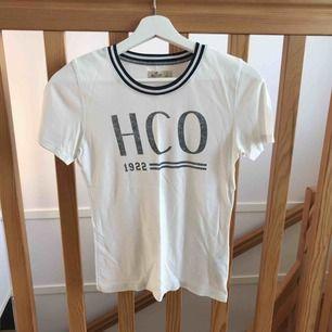Äkta hollister-tröja. Använd men i bra skick. Köpare står för frakt🚛