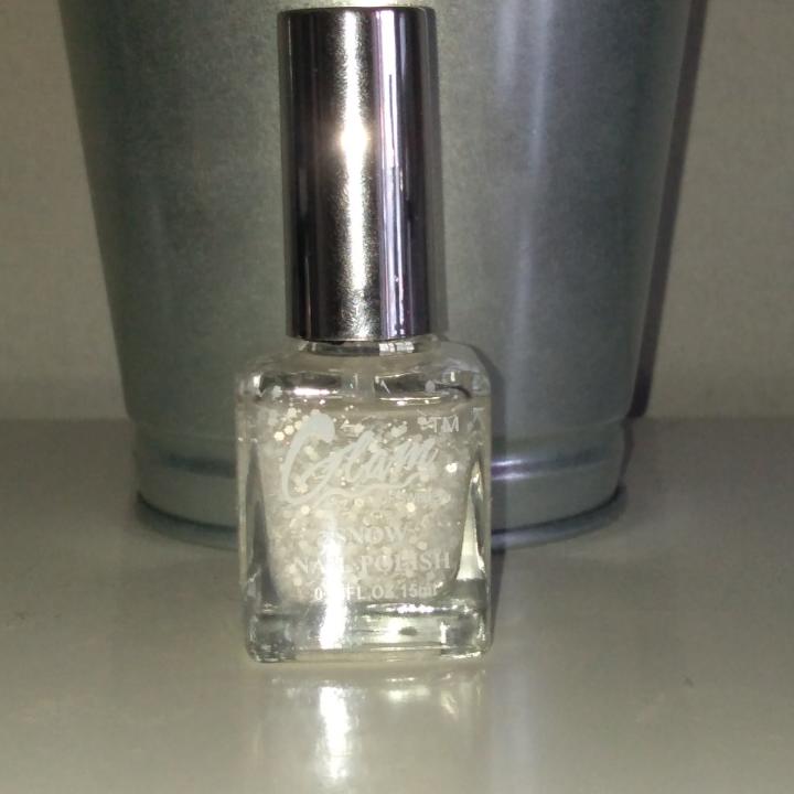 1 för 15 eller alla 3 för 35, inte använda mycket, superfina färger, GLAM nagellack. Jackor.