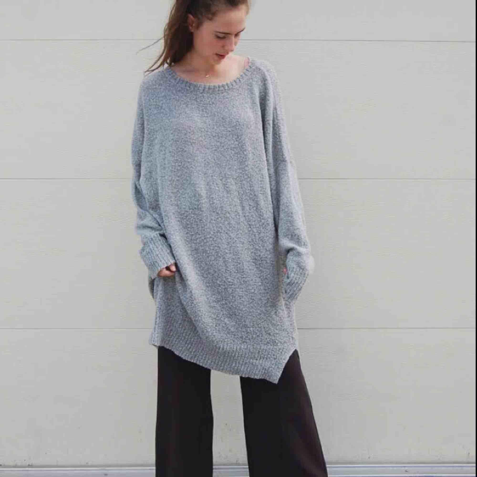 Mysig tröja eller klänning, 14% mohair . Stickat.