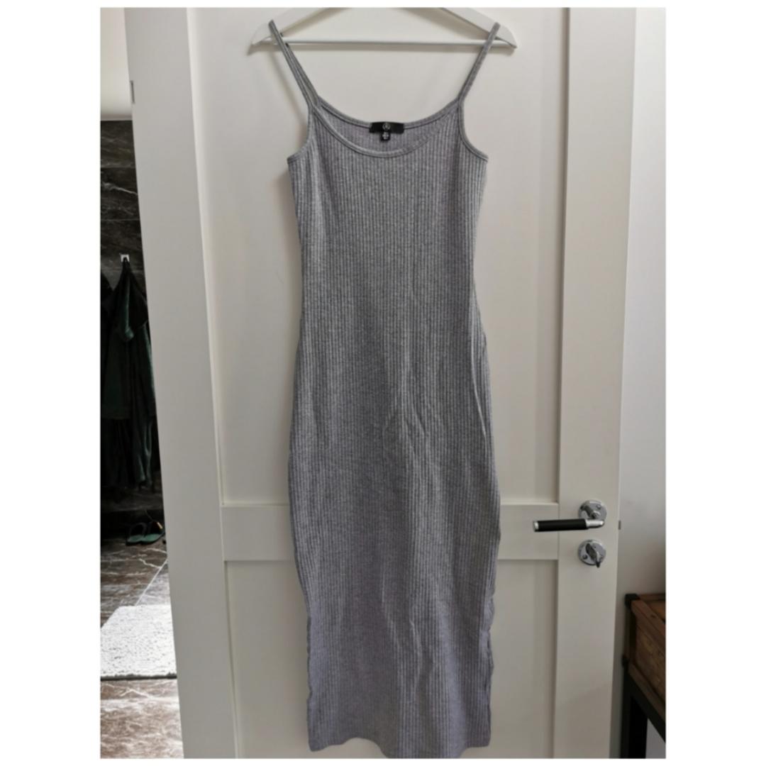 Super snygg klänning från Missguided. Använd max 5 gånger. . Klänningar.