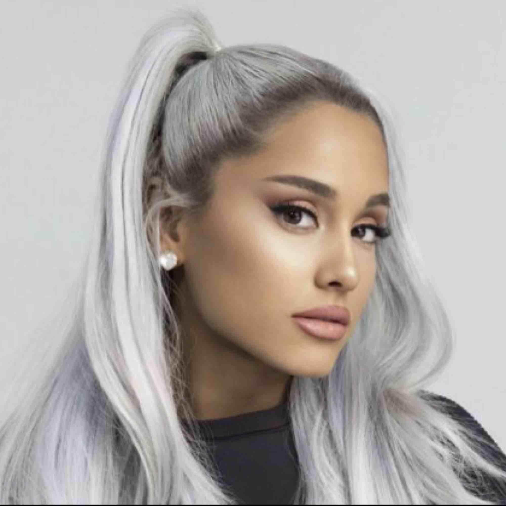 En biljett till Ariana Grande konsert i Ericson Globe i Stockholm. Måndagen den 7 oktober. Pris kan diskuteras.. Övrigt.