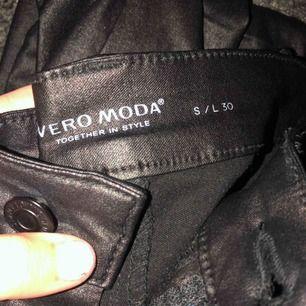 Skinnbyxor från Vero Moda, strl S & Längd 30! Bra skick.🙌🏼