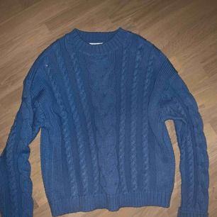Snygg ljusblå stickad tröja, inte använd så mycket<3