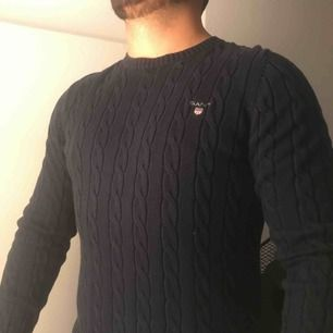 Kabelstickad tröja från Gant. Aldrig använd/som ny. Nypris: 1299kr.