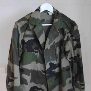 Militärjacka köpt secondhand! Frakt tillkommer!:)