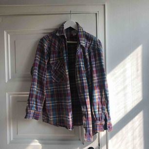 vintage Skjorta sitter mer som M/S