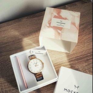 Klocka från Mockberg i Roséguld med ljusgrått läderband 🍂🍁
