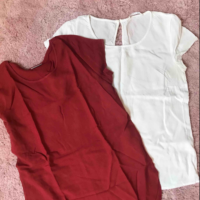 Paket med två tshirts i blustyg från Veromoda och Lager157 (50kr för båda, säljs endast ihop). T-shirts.