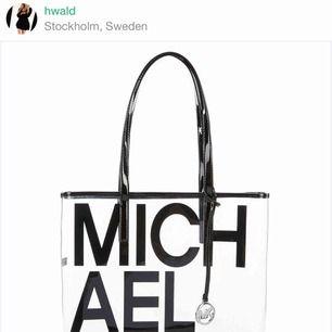 Säljer michael kors väska billigt.