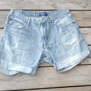 Vintage Jeansshorts slitna mjuka och sköna avklippta midjemått 82 cm