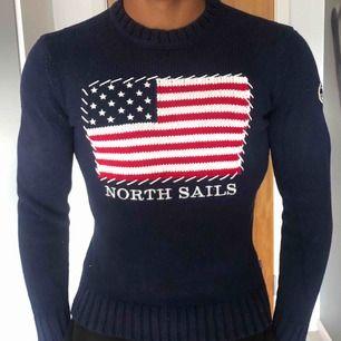 North sails tröja i mycket gott skick. Perfekt som present till pojkvän tex